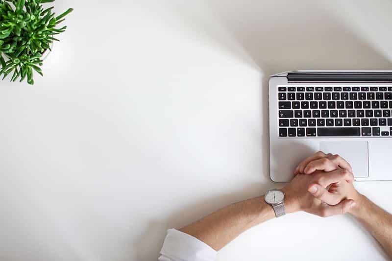 Das Notieren aller Aufgaben inklusive geschätztem Zeitaufwand ist die Basis der ALPEN Methode,