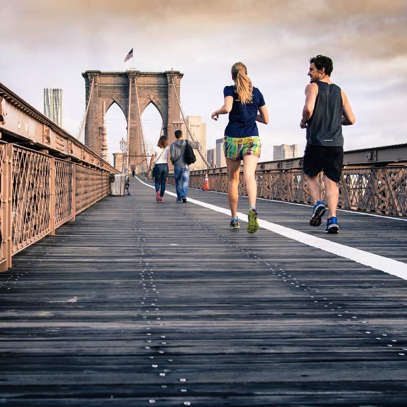 bewegung ist die wichtigste und effektivste Maßnahme gegen Rückenbeschwerden