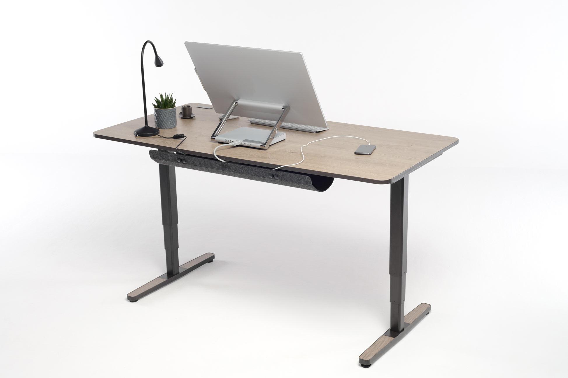 Das Cable Management lässt sich ideal mit dem Yaasa Desk kombinieren.