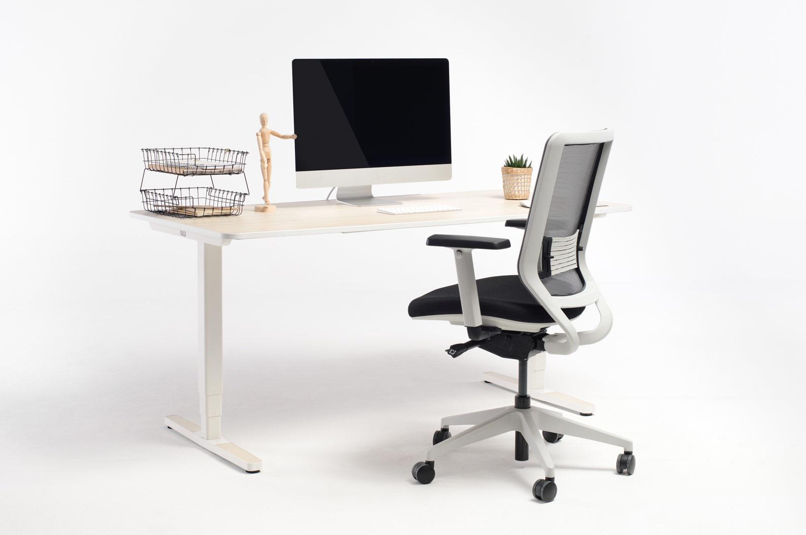 Ein mit Yaasa ausgestattetes Büro ermöglicht ergonomisches und flexibles Arbeiten.